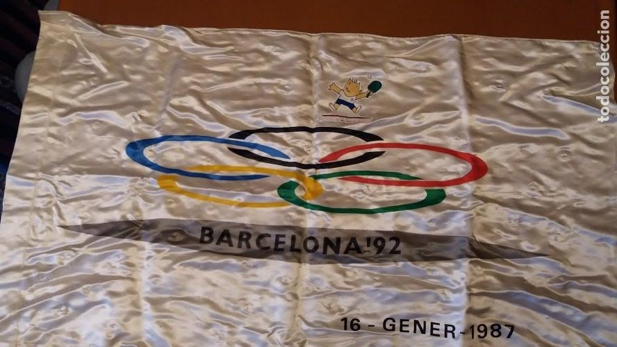 BANDERA ATLANTIDA DARO OFICIAL OLIMPIADAS BARCELONA 92 PRE-COMITE ORGANIZADOR 90CM X 52CM (Coleccionismo Deportivo - Banderas y Banderines otros Deportes)