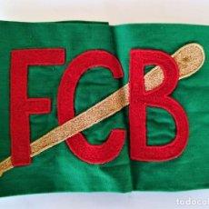 Coleccionismo deportivo: FUTBOL CLUB BARCELONA,BARÇA,BRAZALETE AÑOS 40 CAPITAN EQUIPO DE BEISBOL,BORDADO A MANO,BATE DE JUEGO. Lote 192813113