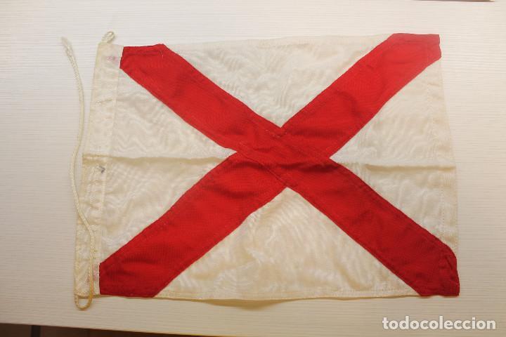BANDERA NAÚTICA, PELIGRO, 40X29 CM (Coleccionismo Deportivo - Banderas y Banderines otros Deportes)