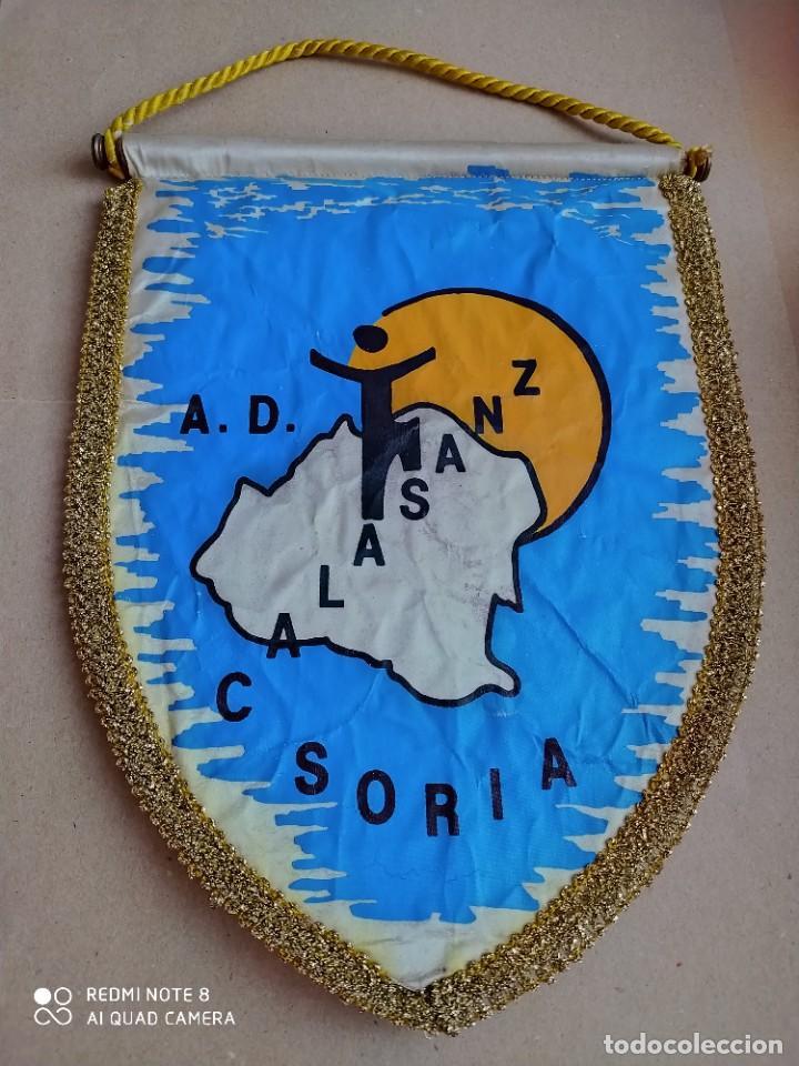 BANDERIN A. D. CALASANZ SORIA (Coleccionismo Deportivo - Banderas y Banderines otros Deportes)