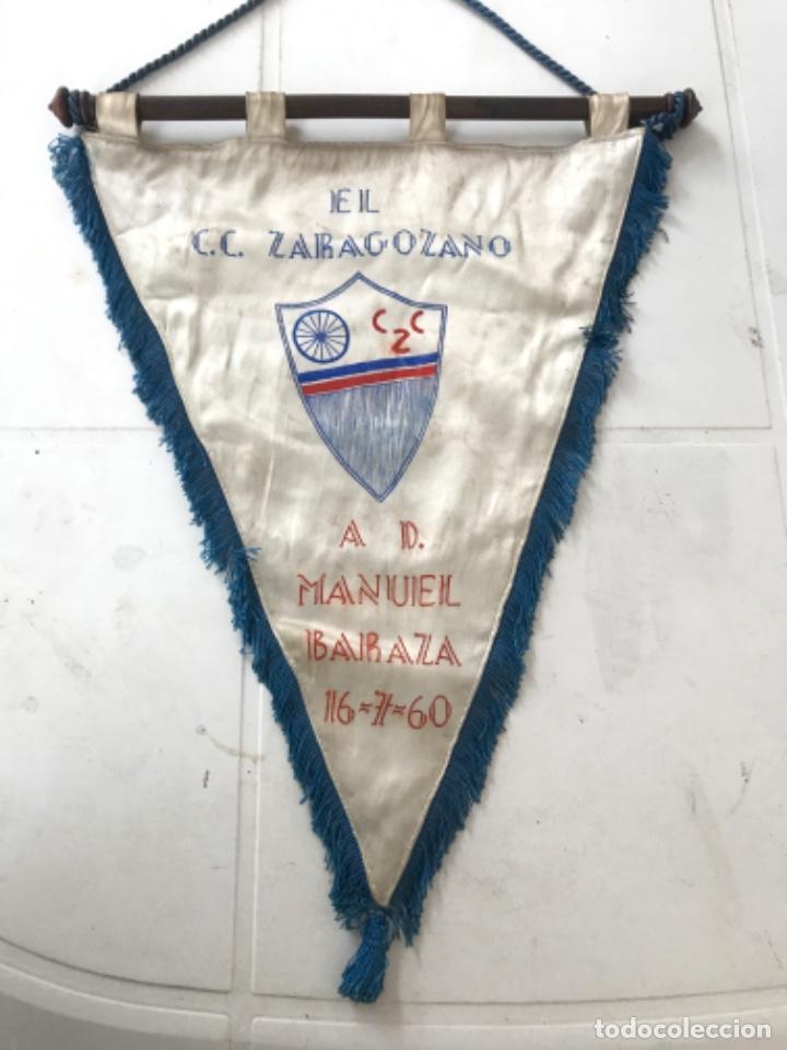 BANDERIN DE EL CLUB CICLISTA ZARAGOZANO A MANUEL BARAZA 16-7-60. (Coleccionismo Deportivo - Banderas y Banderines otros Deportes)