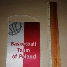 Coleccionismo deportivo: ANTIGUO BANDERIN BASKETBALL TEAM OF POLAND. Lote 226017965