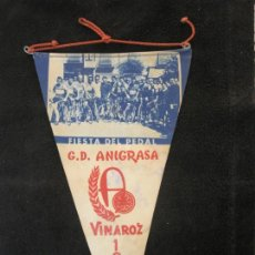 Coleccionismo deportivo: CICLISMO-G.D. ANIGRASA-FIESTA DEL PEDAL-VINAROZ AÑO 1962-BANDERIN FIRMADO-VER FOTOS-(V-22.562). Lote 245649740