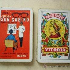 Barajas de cartas: NAIPE ESPAÑOL - HERACLIO FOURNIER - CON PUBLICIDAD OPTICA SAN GABINO. Lote 32426340