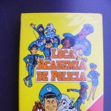 Barajas de cartas: BARAJA DE CARTAS LOCA ACADEMIA DE POLICIA, FOURNIER. Lote 34941379
