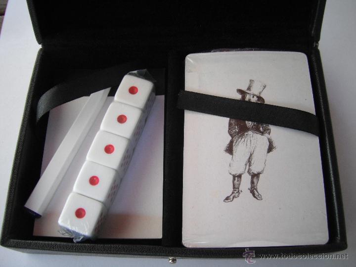 ESTUCHE CON BARAJA DE CARTAS Y 5 DADOS. A ESTRENAR. (Juguetes y Juegos - Cartas y Naipes - Otras Barajas)