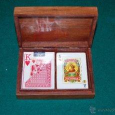 Barajas de cartas: CAJA DE MADERA CON BARAJAS DE CARTAS. MEDIDAS DE LA CAJA: 15X11CM.. Lote 43625229