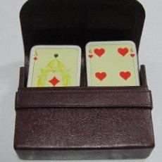 Barajas de cartas: BARAJA DE CARTAS DOBLE. CON ESTUCHE DE PIEL. POKER. REVERSO CON PARAJOS. Lote 58725888