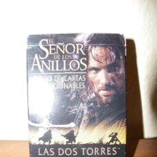 Barajas de cartas: JUEGO DE CARTAS LAS DOS TORRES 63 CARTAS COLECCIONA BLES Y MANUAL.. Lote 59615623