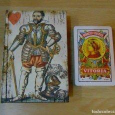 Barajas de cartas: ESTUCHE / LIBRO BARAJA ESPAÑOLA / POKER (FOURNIER) ***NUEVO PRECINTADO***. Lote 66453210