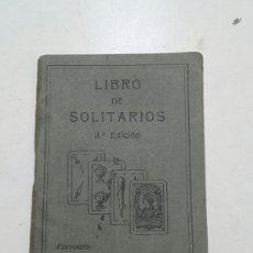Barajas de cartas: LIBRO DE SOLITARIOS. 3 EDICIÓN. FOURNIER. VITORIA 1932.. Lote 73140457