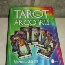 Barajas de cartas: BARAJA TAROT ARCO IRIS CON ESTUCHE Y LIBRO.. Lote 78145353