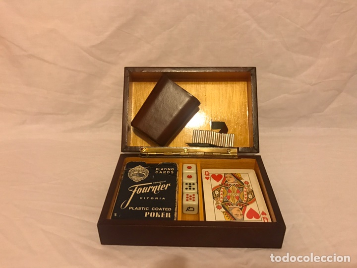 ESTUCHE DE JUEGO DE CARTAS DE POKER CON CUBILETE Y DADOS (Juguetes y Juegos - Cartas y Naipes - Barajas de Póker)