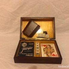 Barajas de cartas: ESTUCHE DE JUEGO DE CARTAS DE POKER CON CUBILETE Y DADOS. Lote 79639802