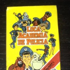 Barajas de cartas: LOCA ACADEMIA DE POLICIA - BARAJA INFANTIL HERACLIO FOURNIER HF - WARNER BROS - NUEVA PRECINTADA. Lote 83849364