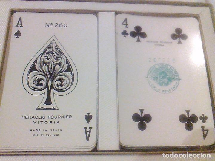 Barajas de cartas: DOS BARAJA CARTAS Nº 260 H FOURNIER VITORIA TIMBRE 5 PTAS BORDE DORADOS CAJA ORIGINAL NAIPES 1960 - Foto 2 - 90884525