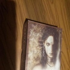 Barajas de cartas: THE LABERINTH. TAROT. LUIS ROYO. EN CAJA. BUEN ESTADO. . Lote 105570311