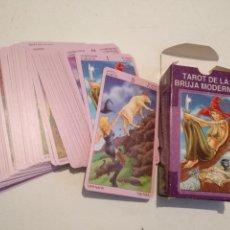 Baralhos de cartas: ABIERTA PERO SIN UTILIZAR - BARAJA CARTAS DEL TAROT - LOS SCARABEO TAROT DE LA BRUJA MODERNA. Lote 118101195