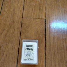 Barajas de cartas: MINI BARAJA DE DOMINO NAIPES COMAS 5X3. Lote 133451262