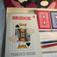 Barajas de cartas: BRIDGE SET, NAIPES DE BRIDGE, CON LIBRO EN INGLÉS SOBRE EL JUEGO. Lote 136354662