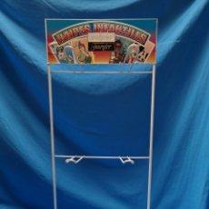 Barajas de cartas: EXPOSITOR METÁLICO ORIGINAL NAIPES INFANTILES FOURNIER. Lote 143177076