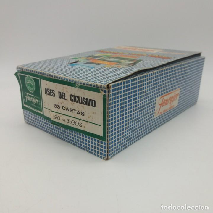 Barajas de cartas: Caja expositor display de barajas de cartas FOURNIER, contiene 20 unidades de ASES DEL CICLISMO - Foto 2 - 145270734