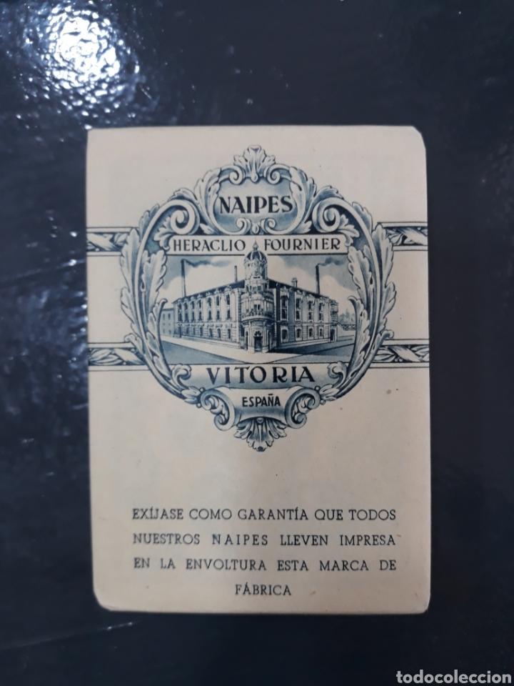 Barajas de cartas: Naipes heraclio fournier,vitoria españa.timbre de estado 2 pesetas. Con precinto. - Foto 3 - 149587954