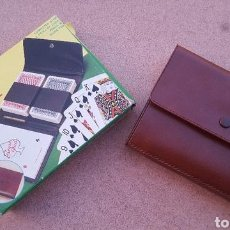 Barajas de cartas: SET VINTAGE JUEGO DE CARTAS CARD CADDY SET CON ESTUCHE. Lote 160818850