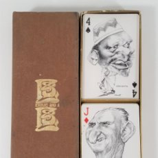 Barajas de cartas: PAREJA DE BARAJAS DE CARICATURAS. POLITICAL TWIN PACK PLAYING CARDS. ENRIC SIO. ESPAÑA. 1973.. Lote 161099674