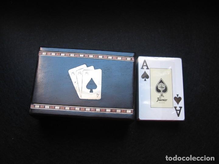 CAJA DECORADA CON BARAJA DE POKER DE FOURNIER (Juguetes y Juegos - Cartas y Naipes - Barajas de Póker)