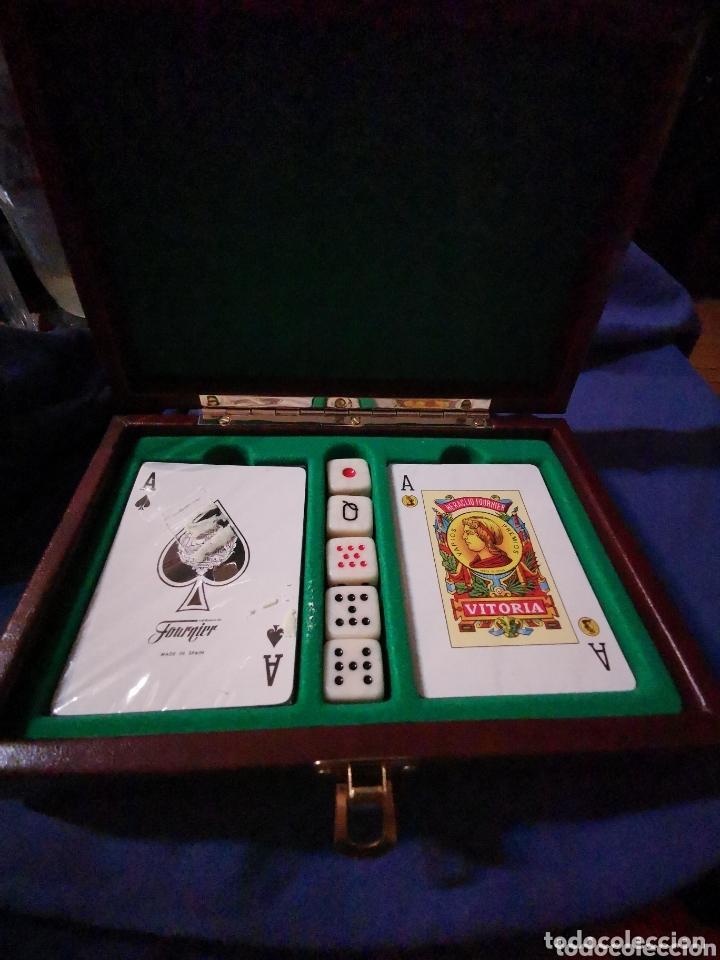 CAJA CON NAIPES Y DADOS (Juguetes y Juegos - Cartas y Naipes - Otras Barajas)