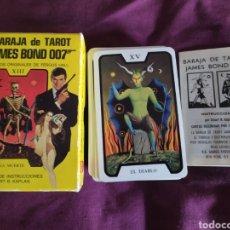 Barajas de cartas: BARAJA DE TAROT JAMES BOND 007. Lote 174972348