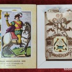 Barajas de cartas: BARAJA ESPAÑOLA DE 52 CARTAS. NEOCLASICA. FUNDA CORREDERA. FOURNIER. CIRCA 1970. . Lote 182479113