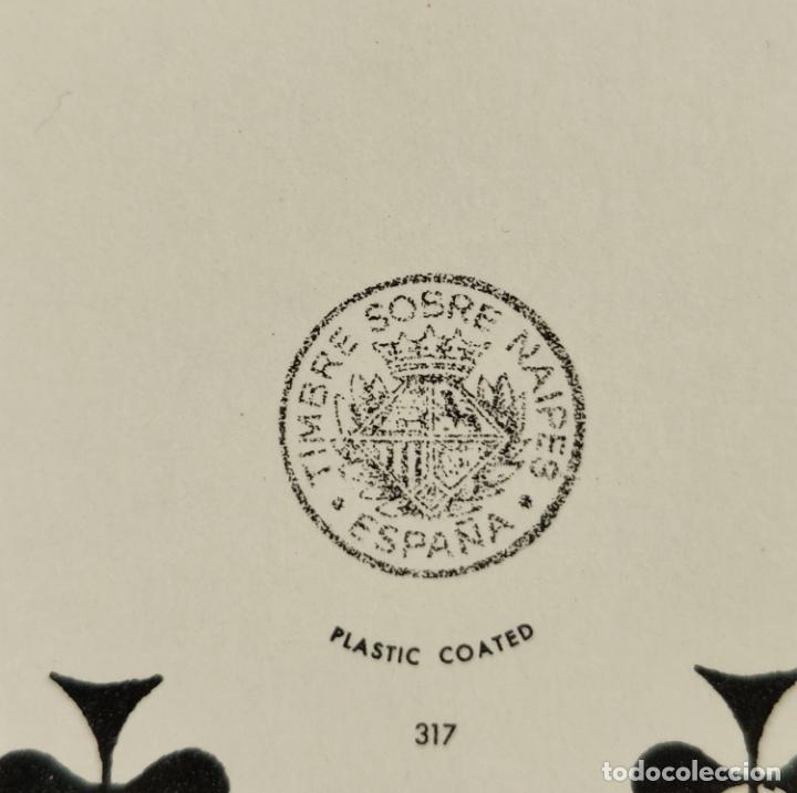 Barajas de cartas: BARAJA FOURNIER DE POKER. TRAJES FRANCESES 1850. CON TIMBRE. SIN USAR. 1975. - Foto 6 - 194492203