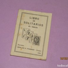 Barajas de cartas: ANTIGUO LIBRO DE SOLITARIOS - EDITORES HIJOS DE H. FOURNIER VITORIA - AÑO 1935. Lote 194624401