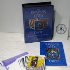 Barajas de cartas: THE SERVANTS OF THE LIGHT, TAROT. A COMPLETE PACKAGE OF BOOK AND 78 CARDS. DOLORES ASHCROFT-NOWICKI. Lote 208881090