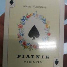 Barajas de cartas: BARAJA DE CARTAS PIATNIK VIENNA. AUSTRIACA. POKER DORSO DOMA CABALLO PRECINTADA. Lote 210158775