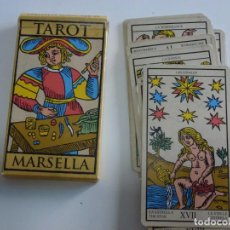 Barajas de cartas: CARTAS TAROT MARSELLA 22 ARCANOS MAYORES LO SCARABEO AÑO 2000.. Lote 215941355