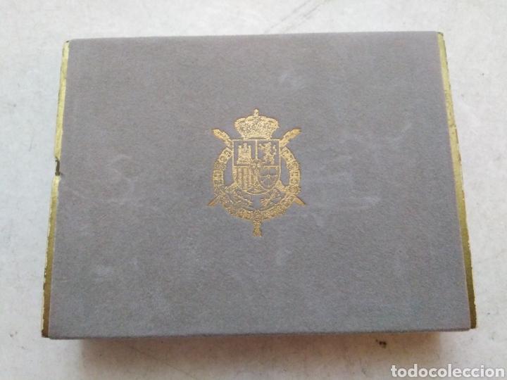 Barajas de cartas: Lote de 2 barajas cartas firmadas por los reyes Juan Carlos y Sofía - Foto 2 - 234589850