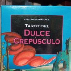 Barajas de cartas: TAROT DEL DULCE CREPÚSCULO. CRISTINA BENINTENDE.LO SCARABEO.. Lote 240769930
