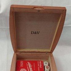 Barajas de cartas: CAJA D & V CON DOS BARAJAS Y DADOS. Lote 244580080