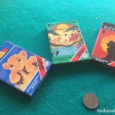 Barajas de cartas: BARAJAS INFANTILES FOURNIER. EL REY LEON 1,2 Y 3, COMPLETAS CON SU CAJA EMOCIONAL. AÑO 1994.. Lote 287040298