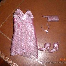 Barbie y Ken: BARBIE.CONJUNTO FASHION FEVER. VESTIDO, CARTERA, GARGANTILLA Y ZAPATOS- NUEVOS. Lote 25134575