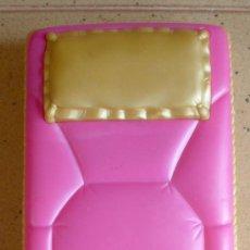 Barbie y Ken: MUEBLES BARBIE ORIGINAL, CAMA, . Lote 27310691