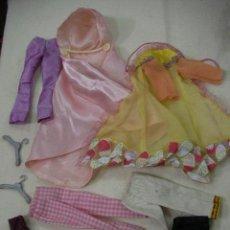 Barbie y Ken: LOTE ROPAS Y OTROS BARBIE - ENVIO GRATIS A ESPAÑA. Lote 295736373