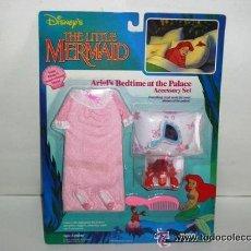 Barbie y Ken: VESTIDO CON ACCESORIOS MUÑECA SIRENITA DISNEY - ARTICULO NUEVO. Lote 70441615