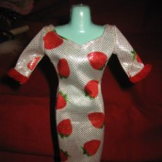 Barbie y Ken: BARBIE BONITO VESTIDO CON FRESONES . Lote 30074931