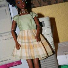 Barbie y Ken: VESTIDO MUÑECA BARBIE MATTEL. Lote 30821110