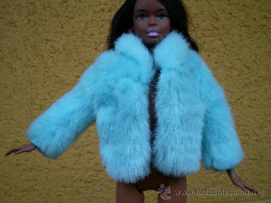 e76ed505e36 Precioso abrigo de pelo azul de barbie original - Sold through ...