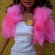 Barbie y Ken: CHAQUETA PELO ROSA BARBIE . Lote 32636162